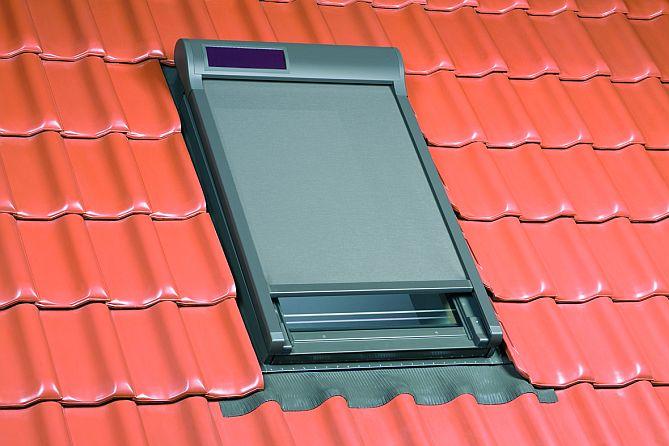 teras çatı penceresi gölgelikleri